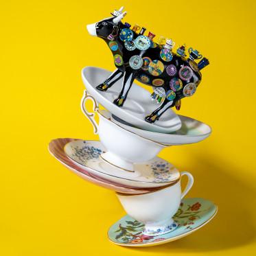 """Коллекционная корова The Moo Potter - """"В посудной лавке"""" (19*12 см)"""